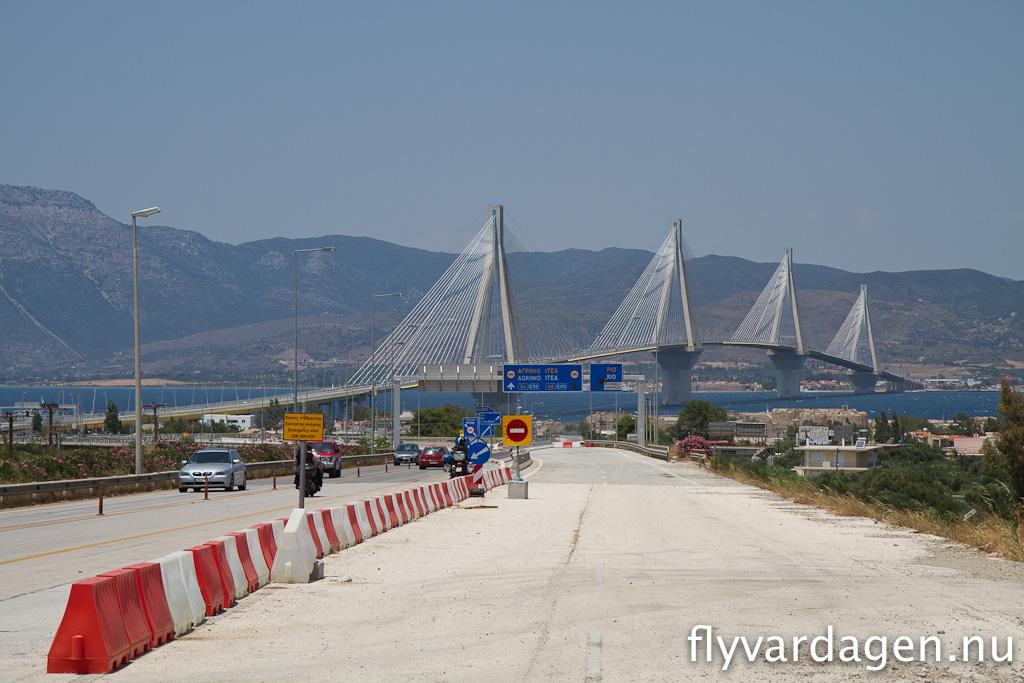 Fin bro i Grekland, nära Patras.