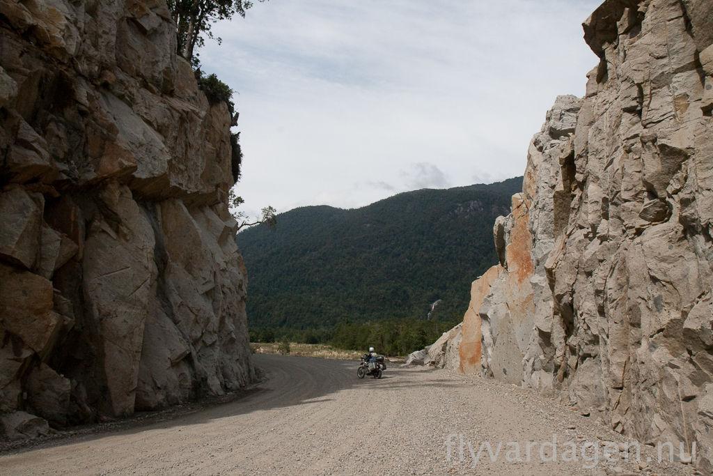 Genom berget