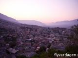 Girokaaster, Albanien vid solnedgången