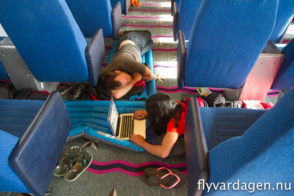 Sova på golvet i färjan...igen